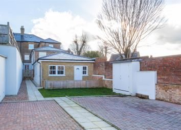 Priory Road, High Wycombe HP13. 1 bed maisonette for sale