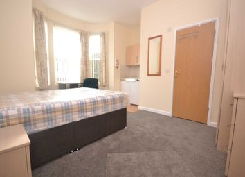 Thumbnail Room to rent in South Street, Reading