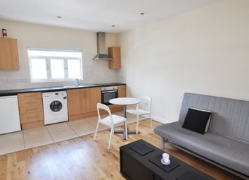 Thumbnail 1 bed flat to rent in Hogarth Place, Earls Court, London