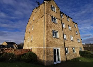 2 bed flat to rent in Calder View, Mirfield WF14