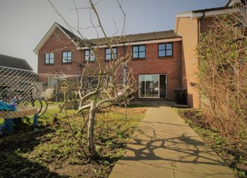 3 bed end terrace house to rent in Chertsey Road, Byfleet, Surrey KT14