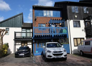 Thumbnail 4 bed town house to rent in Marina Approach, Yeading, Hayes