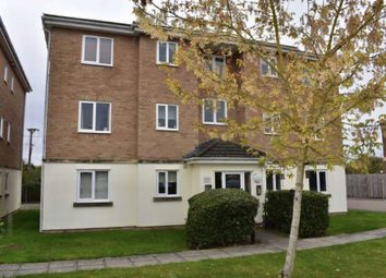 2 bed flat to rent in Clerewater Place, Thatcham RG19