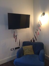 Thumbnail 2 bed flat to rent in Queen Sqaure, Leed
