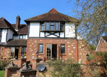 Thumbnail 3 bed cottage to rent in Guildford Road, Fetcham, Leatherhead