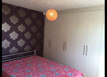 3 bed shared accommodation to rent in Stubbs Drive, Rotherhithe SE16