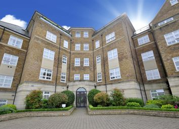 Thumbnail 3 bed flat to rent in Mountview Close, Hampstead Garden Suburb