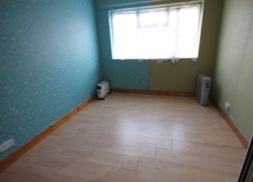 Thumbnail 1 bed flat to rent in Burnham Lane, Slough