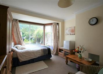 Thumbnail Room to rent in Watford Way NW4, Hendon