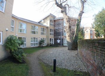 Thumbnail 2 bedroom flat for sale in Regents Park Road, Southampton