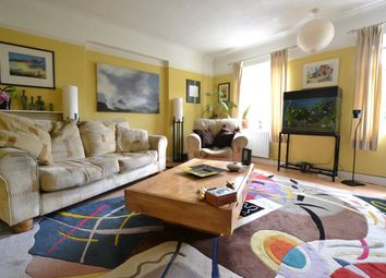 Thumbnail 3 bed flat to rent in Fortis Green Road, London