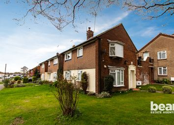 Thumbnail 1 bedroom flat for sale in Mendip Crescent, Westcliff-On-Sea
