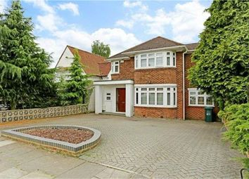 Thumbnail 5 bed detached house to rent in Edgwarebury Lane, Edgware, Middlesex