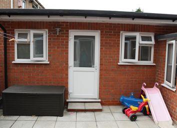 Burdetts Road, Dagenham, Essex RM9. Studio to rent