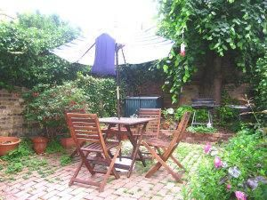 Thumbnail 1 bedroom flat to rent in Westwick Gardens, London