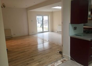 Thumbnail Room to rent in Fyfield Road, Walthamstow