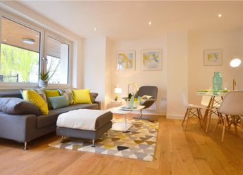 Thumbnail 2 bedroom flat for sale in London Road, High Wycombe