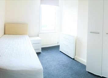 Room to rent in Western Road, Colliers Wood, London SW19