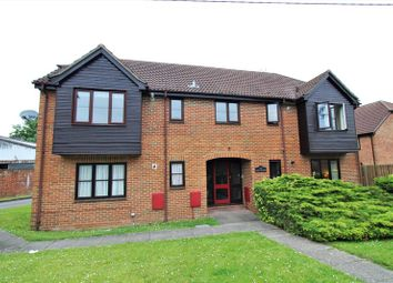Thumbnail 2 bedroom flat for sale in Fairlawn Road, Tadley