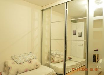 Thumbnail 5 bedroom shared accommodation to rent in Lonsdale Drive, Rainham, Gillingham