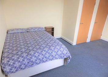 Thumbnail Room to rent in Elizabeth Place, Gloucester Street, Cirencester