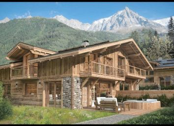 Thumbnail 4 bed chalet for sale in 74 Rue Du Lyret, 74400 Chamonix-Mont-Blanc, France