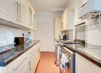 3 bed property to rent in Stirling Road, Wood Green, London N22
