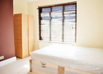 Thumbnail Room to rent in Dawlish Drive, Room 5, Ilford