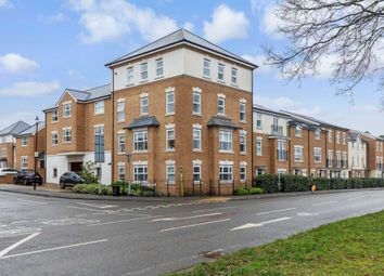 2 bed flat for sale in Parsonage Road, Horsham RH12
