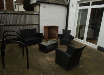 Thumbnail 3 bed flat to rent in Shirley Road, Southampton