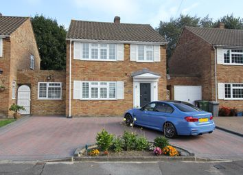 Thumbnail 3 bed detached house to rent in Penshurst Road, Potters Bar