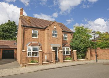 Thumbnail 4 bed detached house for sale in Stuchbury Close, Fairford Leys, Aylesbury