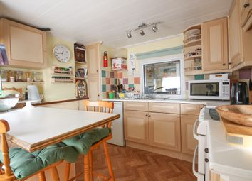 Thumbnail 1 bed mobile/park home for sale in Meadowside Park, Lingfield Common Road, Lingfield, Surrey