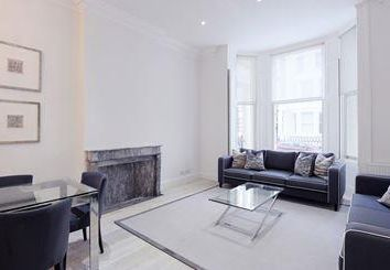 Thumbnail 3 bed flat to rent in Somerset Court, Kensington, London