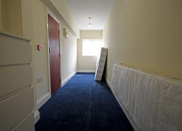 Thumbnail  Studio to rent in Oak Avenue, Heston