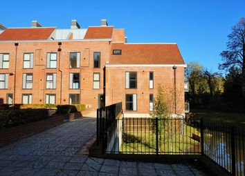 Thumbnail 1 bed flat to rent in Candleford Court, Buckingham