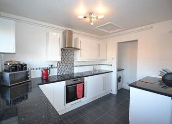 Thumbnail 1 bed flat to rent in Ross Close, Luton