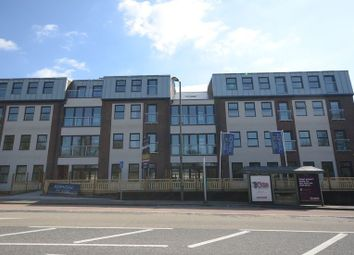 Thumbnail 1 bed flat to rent in Upper Charles Street, Camberley