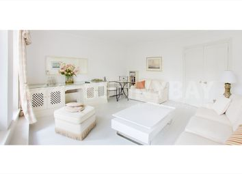 Thumbnail 1 bed flat to rent in Clevedon Road, Twickenham