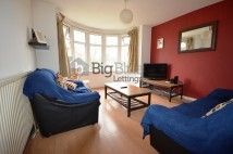 Thumbnail 5 bed flat to rent in Otley Road, Headingley, Five Bed, Professionals, Leeds