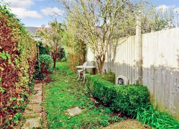 Mount Street, Lewes, East Sussex BN7. 2 bed terraced house for sale