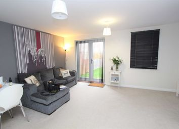Thumbnail 2 bedroom detached house to rent in Shiers Avenue, Dartford