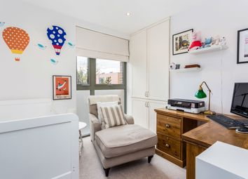 3 bed maisonette to rent in Essian Street, London E1