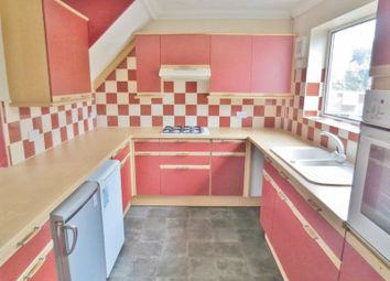 Thumbnail 4 bed flat to rent in Southall Avenue, Brighton