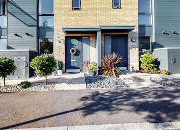 Scotspine Lane, Romford RM3. 2 bed flat