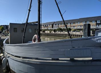 Thumbnail Houseboat to rent in Standard Quay, Faversham