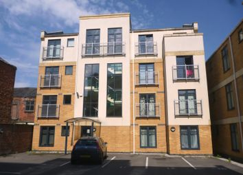 Thumbnail 2 bedroom flat for sale in Wright Street, Hull