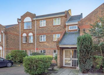 2 bed flat for sale in Catherine Drive, Richmond TW9