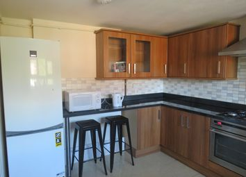 Thumbnail 4 bed flat to rent in Arthingworth Street, London