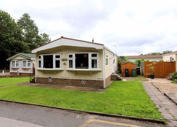 Thumbnail Mobile/park home for sale in Pickford Drive, Orchards Residential Park, Slough